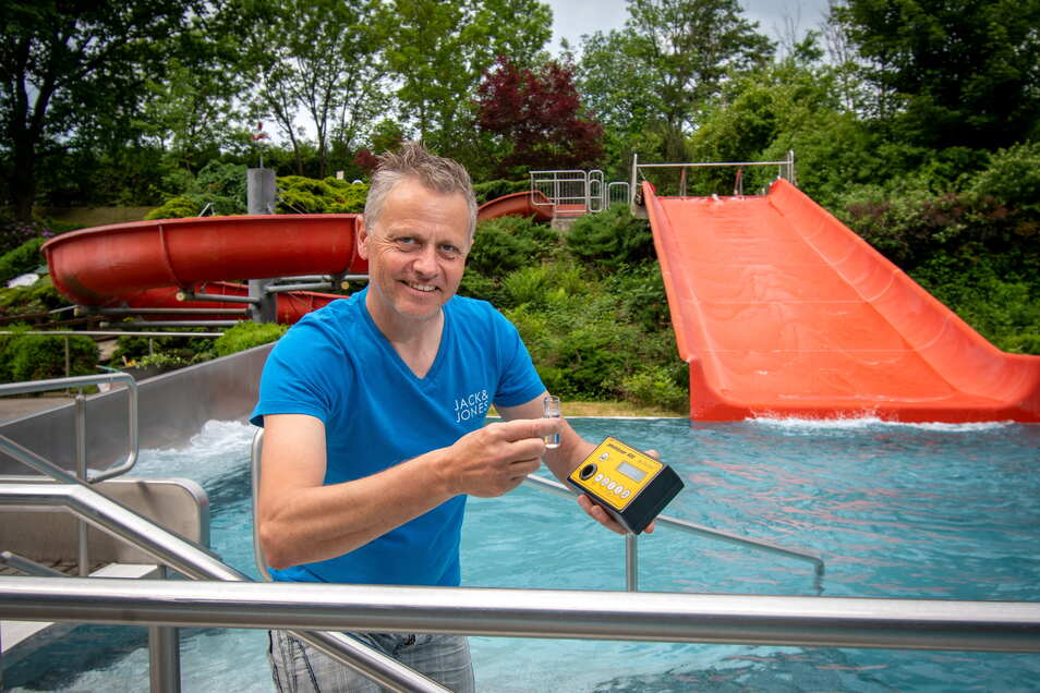 im Roßweiner Bad Wolfstal bereitet Badchef Jens Göhler die Saison vor.