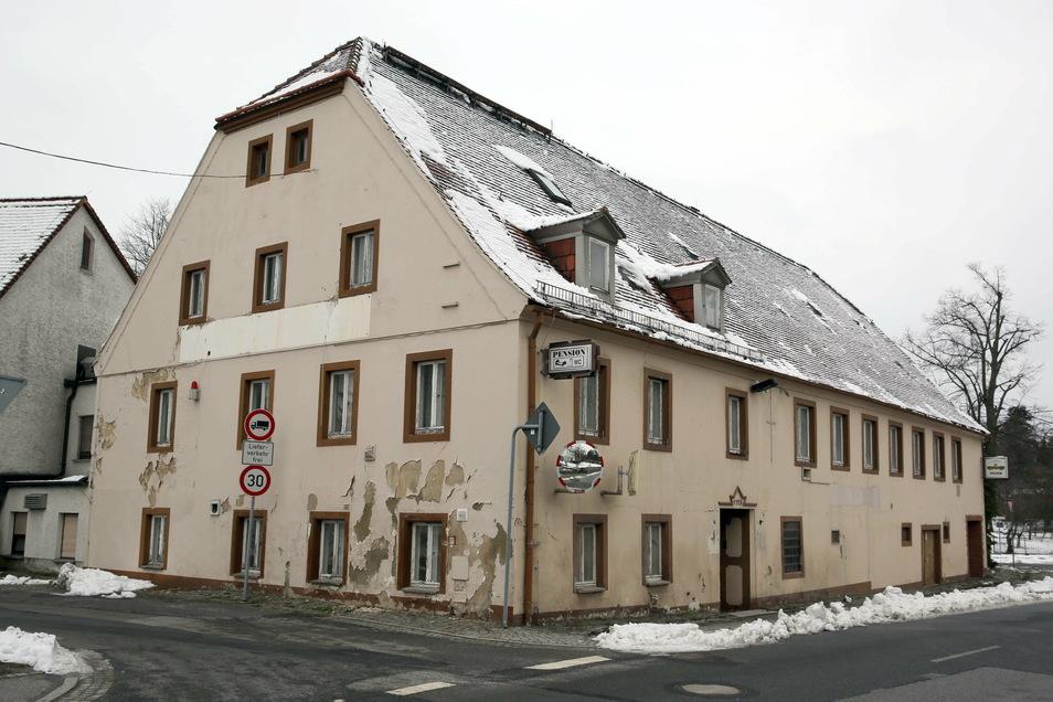 Die Gaststätte Zum Hochstein im Elstraer Ortsteil Rauschwitz ist nicht mehr zu retten. Sie wird abgerissen.