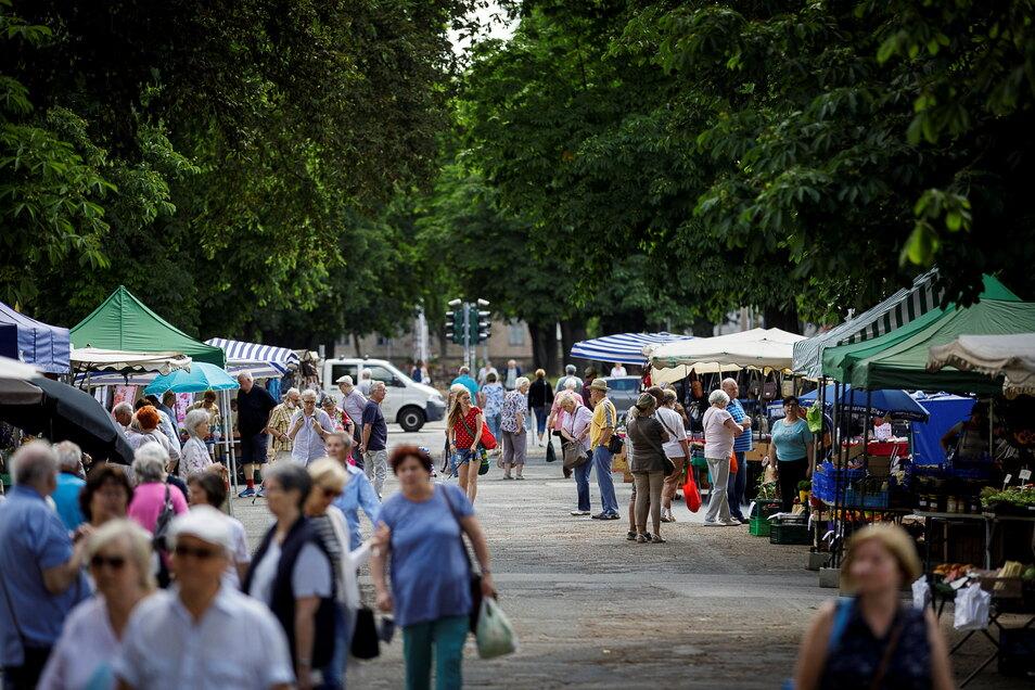 Als das Bild entstand, war der Wochenmarkt noch in Pächterhand der Wochenmarkt GbR. Inzwischen wurde der Betrieb neu vergeben.