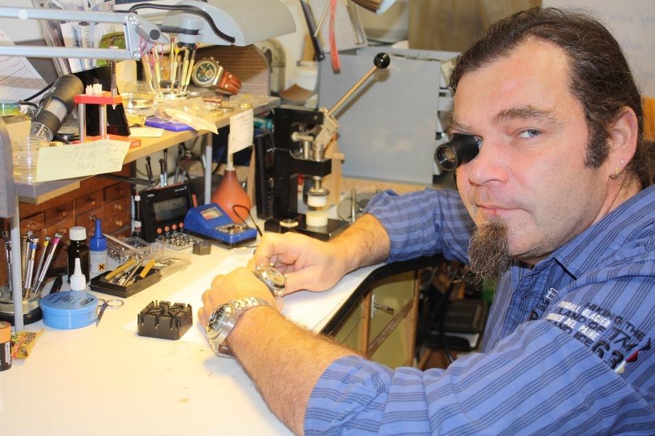 Steffen Kuge in seiner Werkstatt.