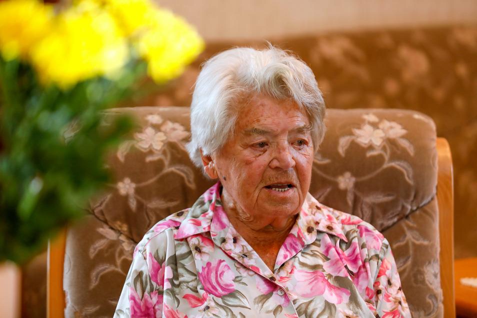 Sieht diese Dame so aus als wäre sie 107 Jahre alt? Ist sie aber. Brunhilde Wagner aus Zittau feiert heute Geburtstag.