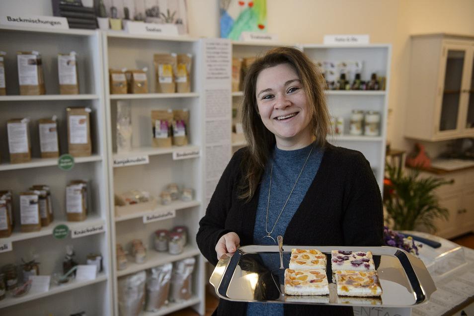 Kuchen und dann auch noch gesund: Corina Buder backt in ihrem Ladencafé am Fischmarkt täglich Kuchen, Brot und Brötchen.