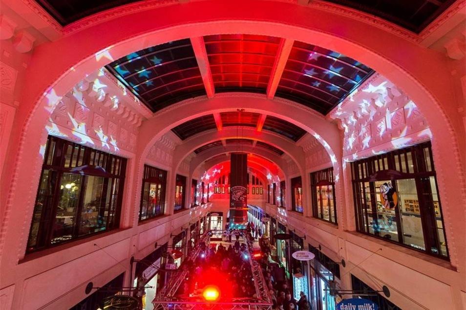 Oder die Straßburg-Passage im roten Licht.