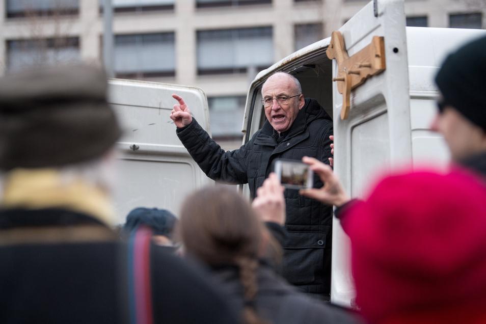 Im Februar 2018 demonstrierte Ittner wieder am Postplatz in Dresden. Die Polizei beendete den Auftritt des mehrfach vorbestraften Rechtsextremisten, weil er sie wieder nicht an die Auflagen gehalten hatte.