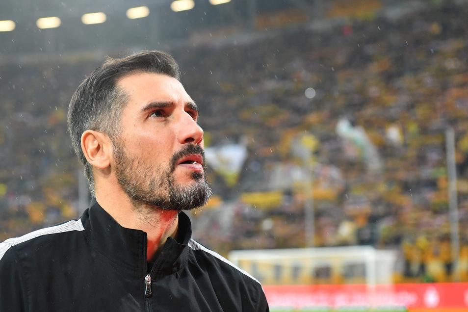 Cristian Fiel hat Dynamo als Cheftrainer in einer schwierigen Situation zum Klassenerhalt in der zweiten Liga geführt. Danach ist allerdings einiges schiefgelaufen.