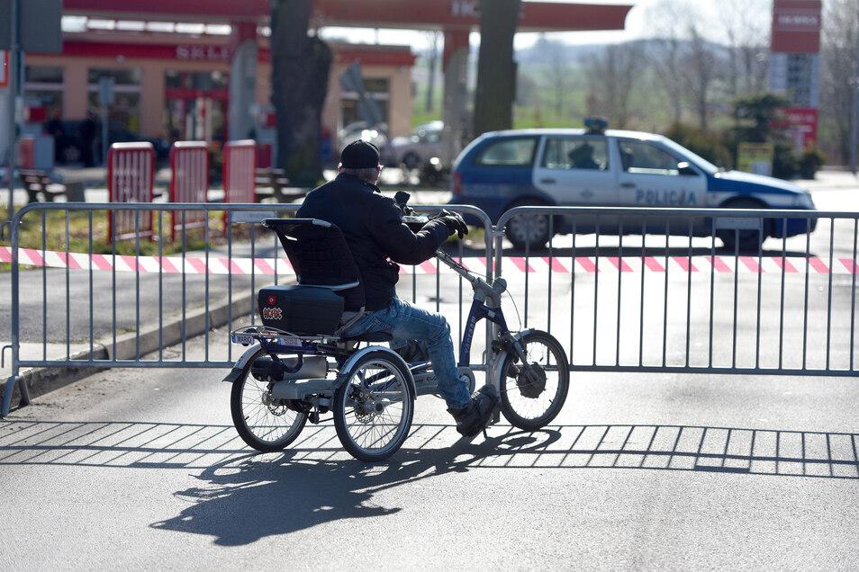 Der. Grenzübergang auf der Friedensstraße in Zittau ist seit Wochen geschlossen.