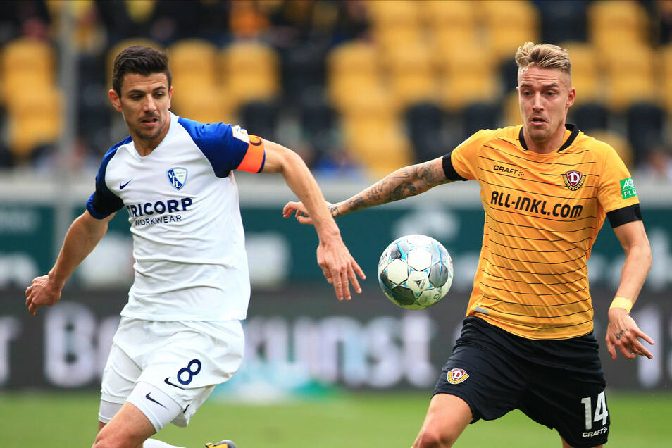 Ob Ondrej Petrak, hier im Duell mit demBochumer Anthony Losilla (l.), auch in der kommenden Saison das schwarz-gelbe Trikot tragen wird, ist noch offen. Auch für den 27-Jährigen besitzt Dynamo eine Kaufoption.