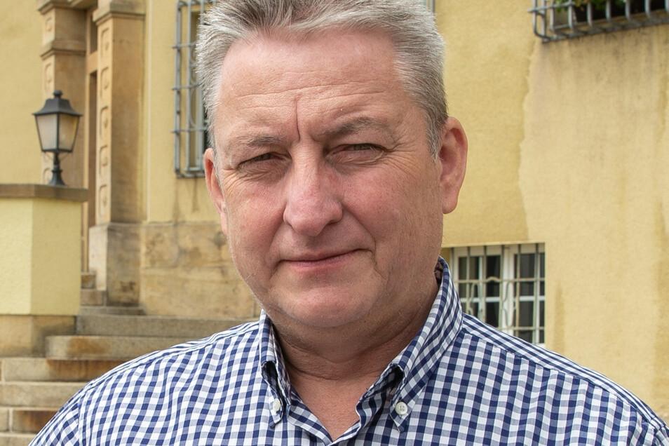 """Uwe Dreßler (56, Einzelkandidat) muss auf keine Partei Rücksicht nehmen und will seine Unternehmens-Erfahrungen einbringen. """"Mit dem IPO werden den Bürgern vollendete Tatsachen vor die Füße geschmissen."""""""