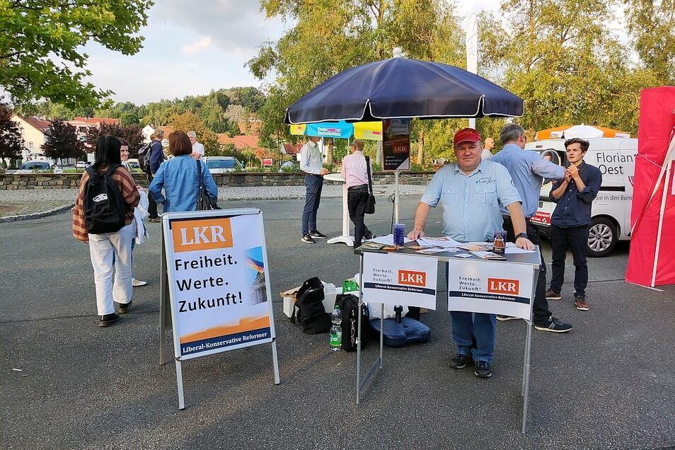 Harald Twupack beim Markt der Parteien in Ebersbach-Neugersdorf.