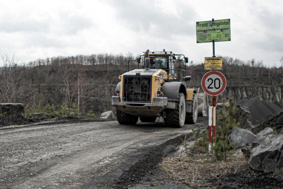 Der Steinbruch in Kamenz sorgt immer wieder für Diskussionsstoff wegen Lärm- und Staubbelastung. Jetzt wieder verstärkt, denn es ist eine neue Anlage geplant.
