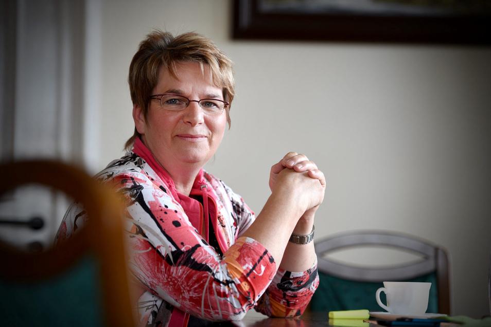 Wird es klappen? Zunächst musste Bürgermeisterin Karin Berndt bangen, doch inzwischen hat Seifhennersdorf seinen Haushalt genehmigt bekommen.