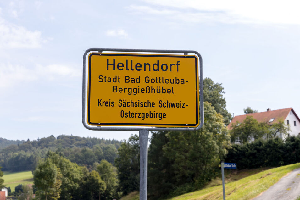 Die Hellendorfer wehren sich gegen einen für sie unsinnigen Bauplan.