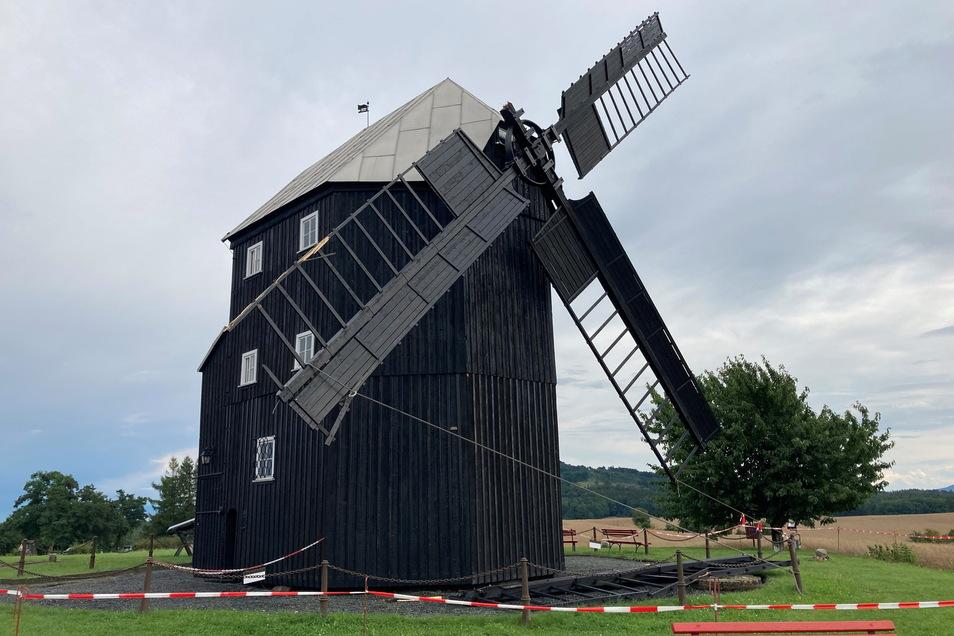 Ende Juli 2021 brach unvermittelt ein Flügel der Bockwindmühle in Kottmarsdorf ab. Die Reparatur wird lange Zeit in Anspruch nehmen.