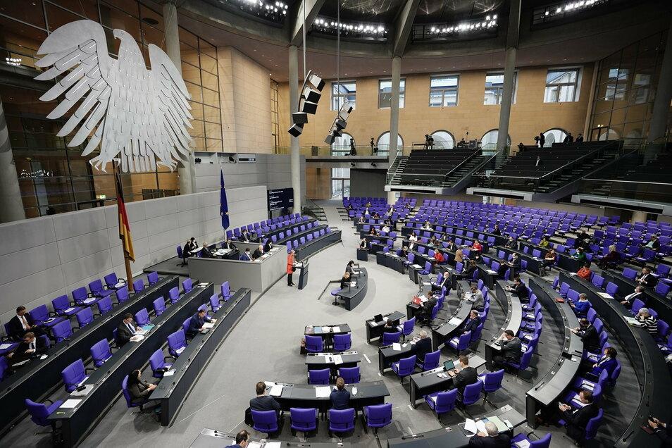 Der Bundestag hat am Donnerstag beschlossen, dass die Stasiunterlagen in das Bundesarchiv wechseln.