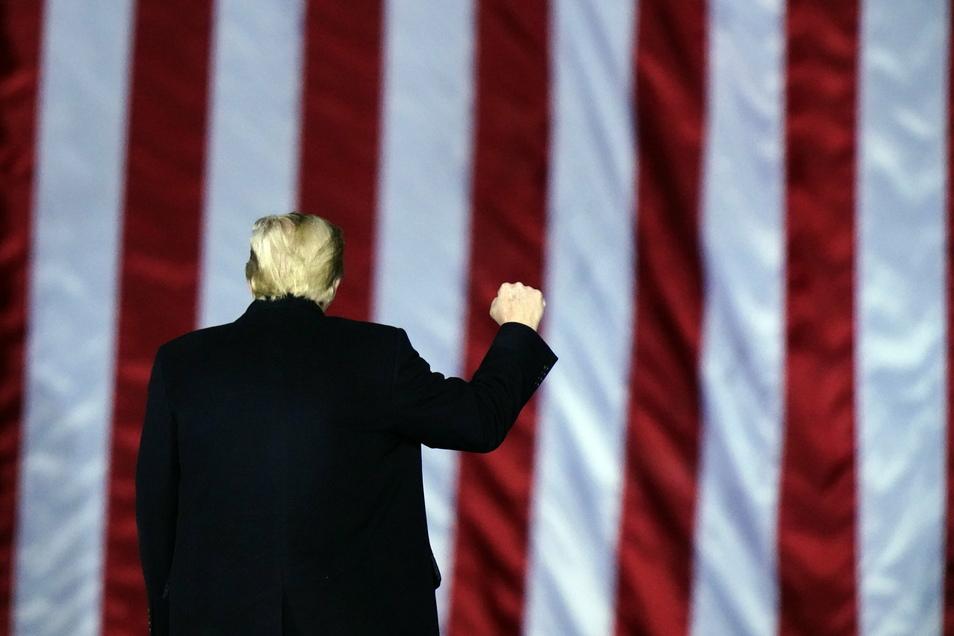Präsident im Abgang: Donald Trump spricht noch immer von Wahlbetrug - will sich aber nicht weiter gegen die Machtübergabe an Nachfolger Joe Biden sperren.