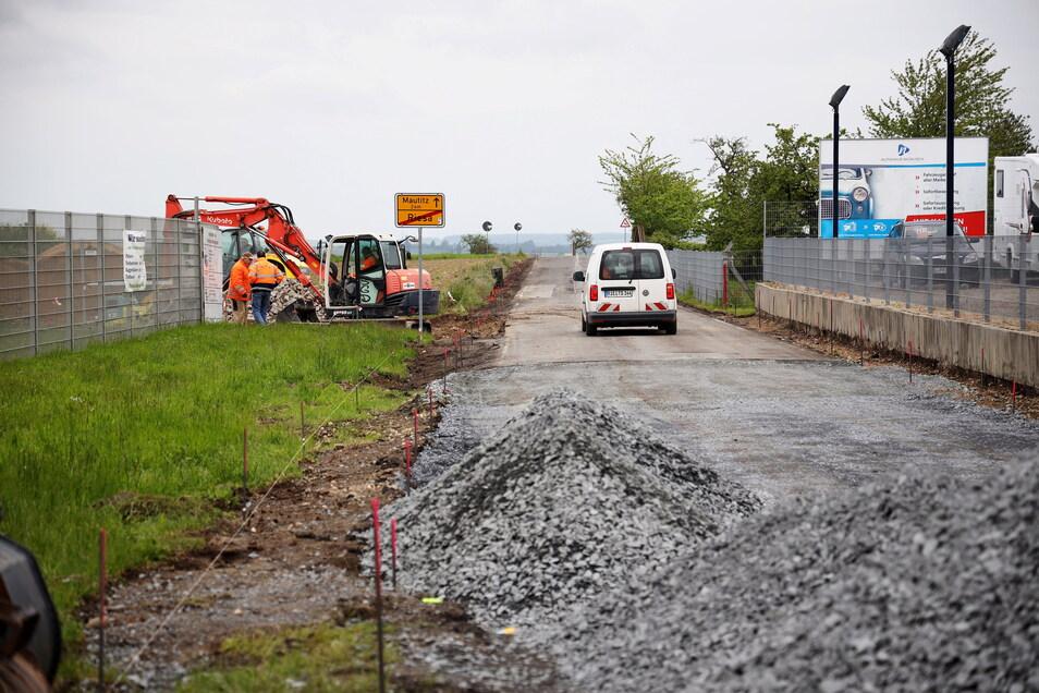 Hier wird gebaut: ein Eindruck von der Straßenbaustelle zwischen Riesa-Weida und Mautitz.