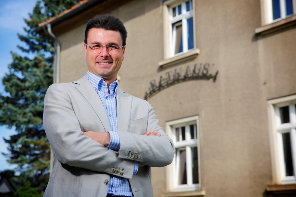 Daniel Hartig ist der neue Hauptamtsleiter in der Pulsnitzer Stadtverwaltung. Er glaubt, dass die Stadt Entwicklungspotenzial hat.