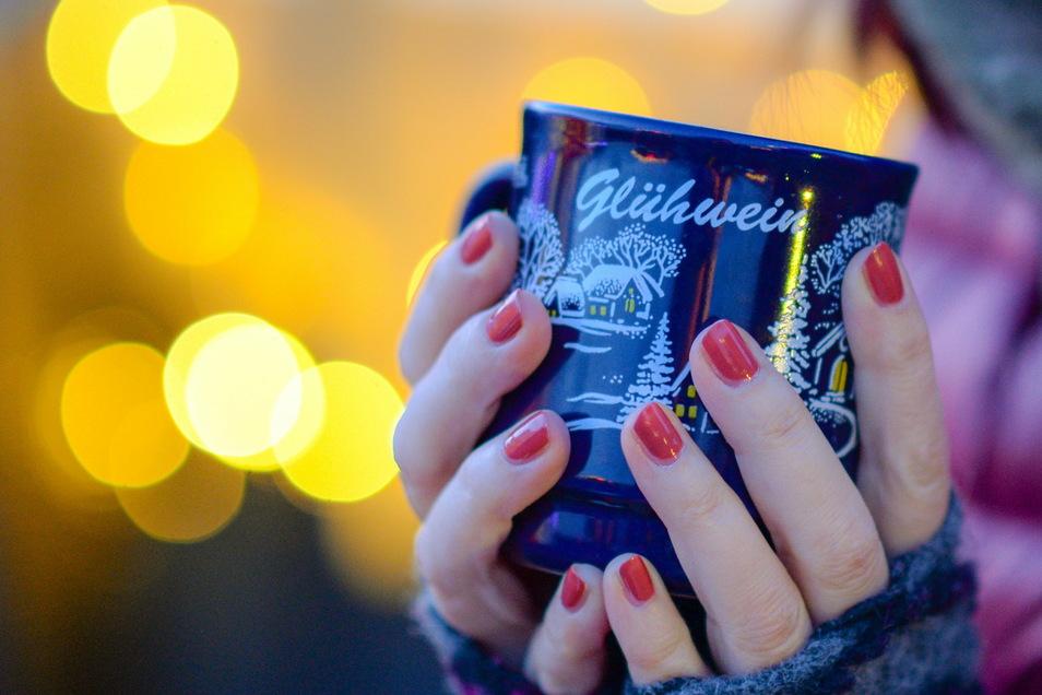 Trotz abgesagter Weihnachtsmärkte leckeren Glühwein genießen? Einige Restaurants machen es möglich - to go!