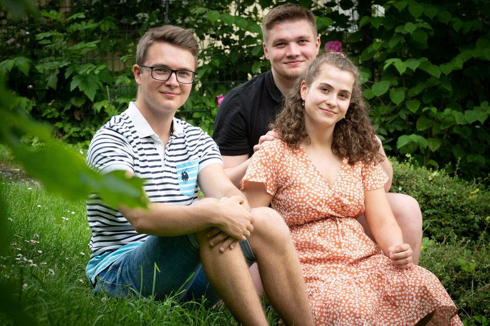 Theo Weise (l.), Oskar Würfel und Leni Hübler wollen sich mithilfe der Vocatium-Messe über Ausbildungsmöglichkeiten informieren.