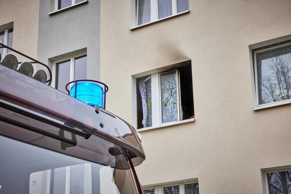 Hinter diesem Fenster schmorte die Küchengeräte.
