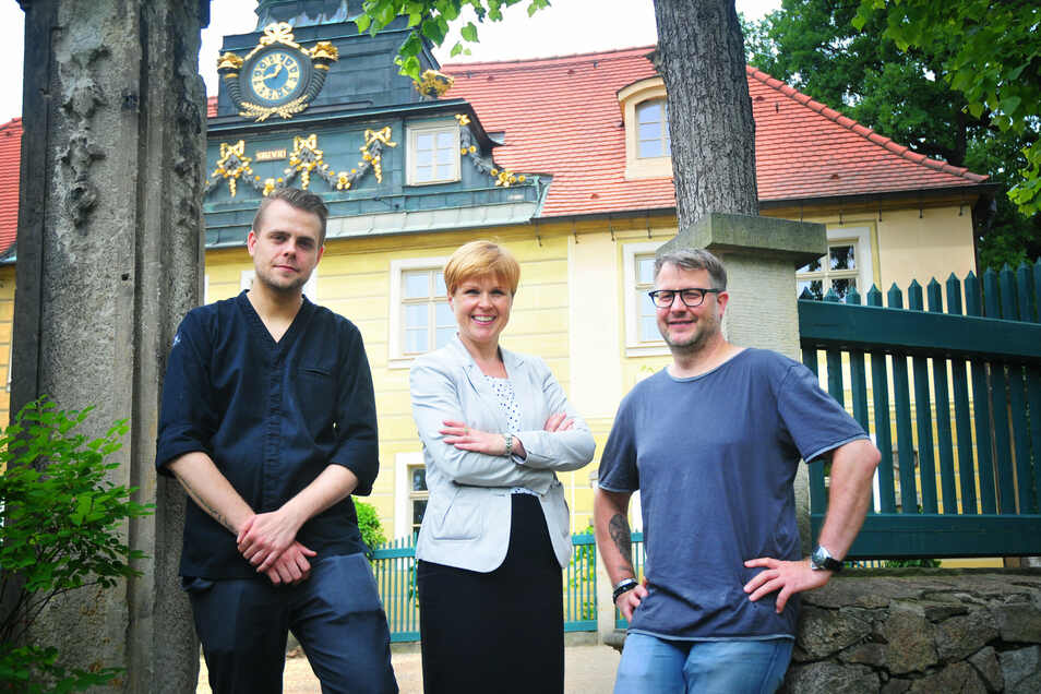 Marcel Kube zum Start in Radebeul, mit Sorgenfrei-Chefin Antje Kirsch und Betreiber Stefan Hermann.