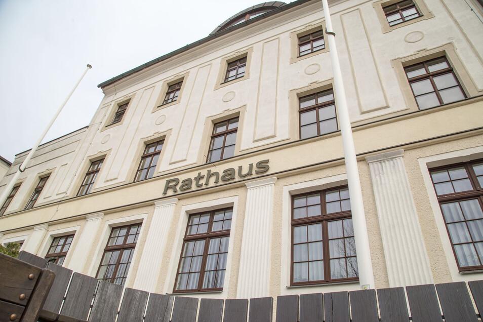 Das Rathaus der Stadt Niesky ist für den Besucherverkehr geschlossen. Trotzdem sind die Mitarbeiter über Telefon und E-Mail erreichbar.