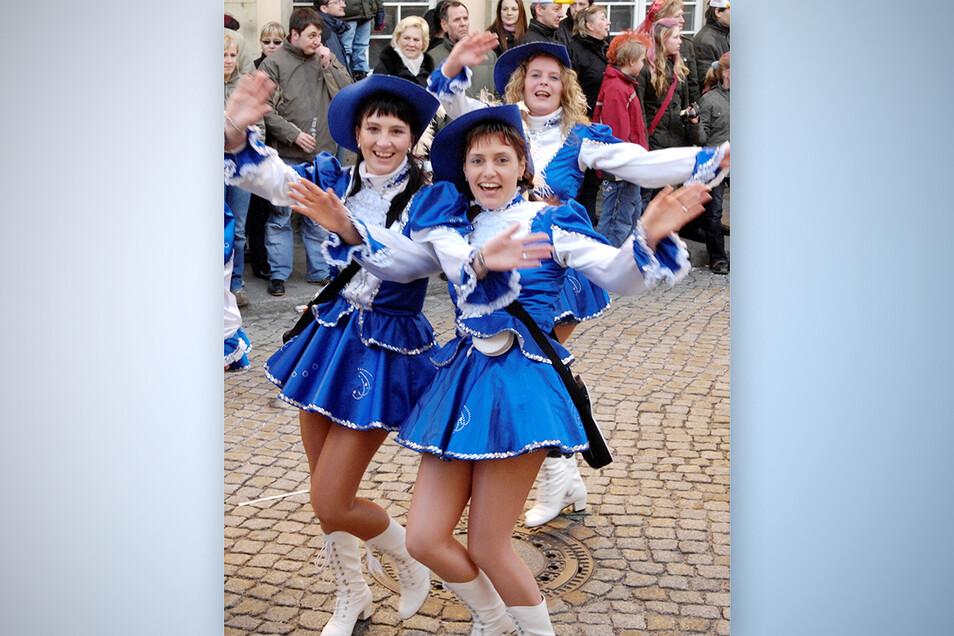 Sonst ziehen sie in Radeburg beim Faschingsumzug durch die Straßen - dieses Jahr nun im Internet: die Folberner Karnevalisten.