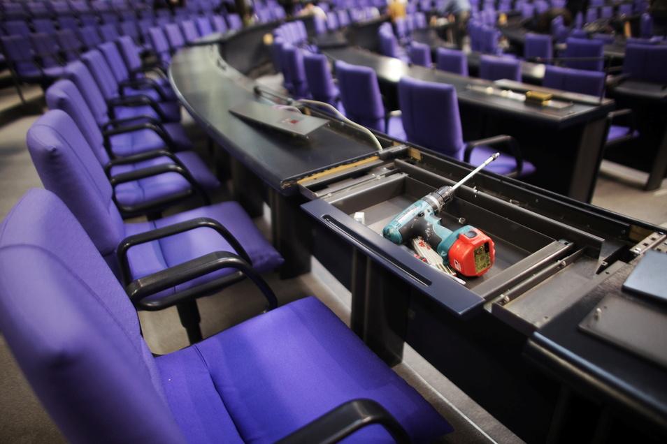 Nach der Bundestagswahl muss im Plenarsaal des Berliner Reichstags umgebaut werden.