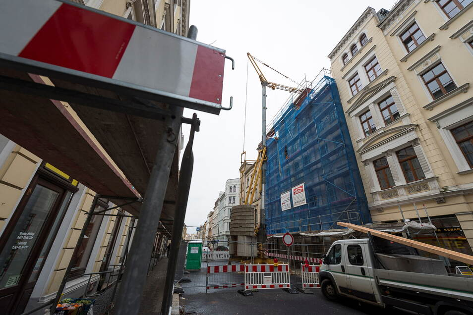 In der Görlitzer Bismarckstraße gab es auch früher schon Vollsperrungen. Das Foto entstand im Januar 2018, als die Sicherung des einsturzgefährdeten Hauses Bismarckstraße 29 begann.