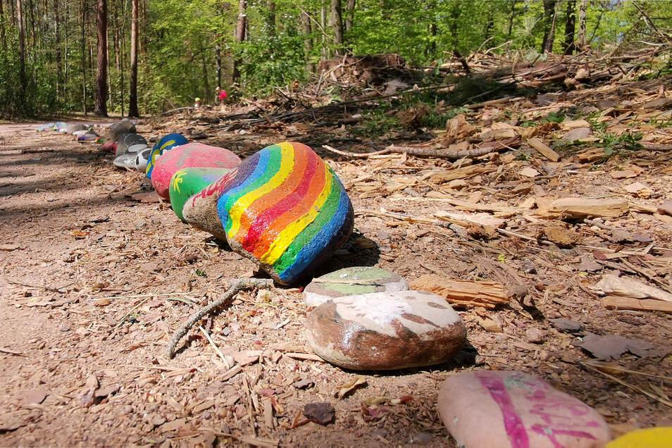 Jeder Stein ein kleines Kunstwerk, das Hoffnung spenden soll.