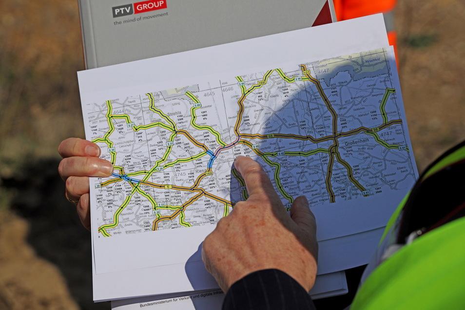 Mit den Daten lässt sich auf Karten darstellen, wie stark welche Routen belastet sind. In der Mitte: die Riesaer Elbbrücke.