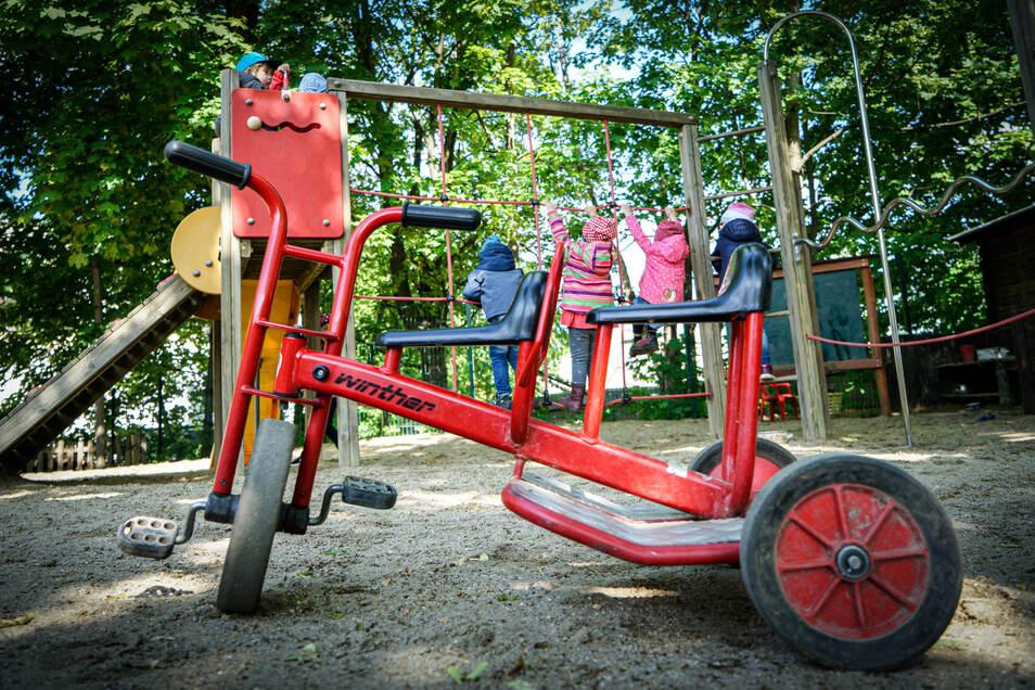 Bei der Kindertagesstätte Glückskäfer der Volkssolidarität in Bautzen spielen die Kinder jetzt schon in voneinander getrennten Gruppen. Ab kommendem Montag wird es weitere Einschränkungen in den Kitas geben.