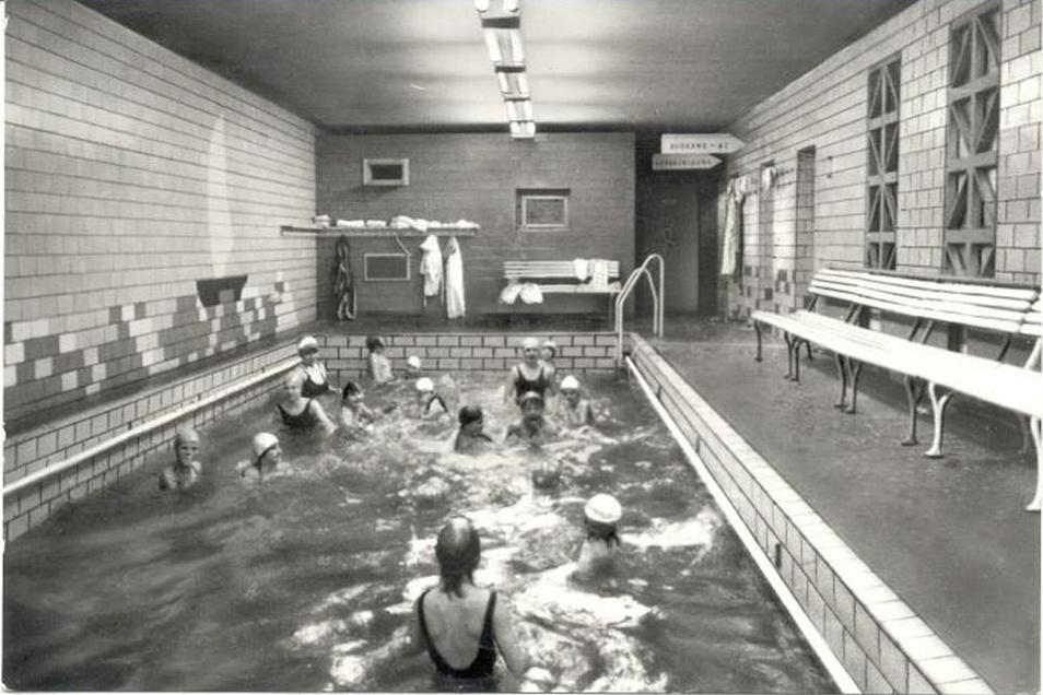 Von 1966 bis 1990 wurde das Haus Bergland als Ferienheim genutzt. Das damals entstandene Schwimmbad existiert inzwischen nicht mehr.