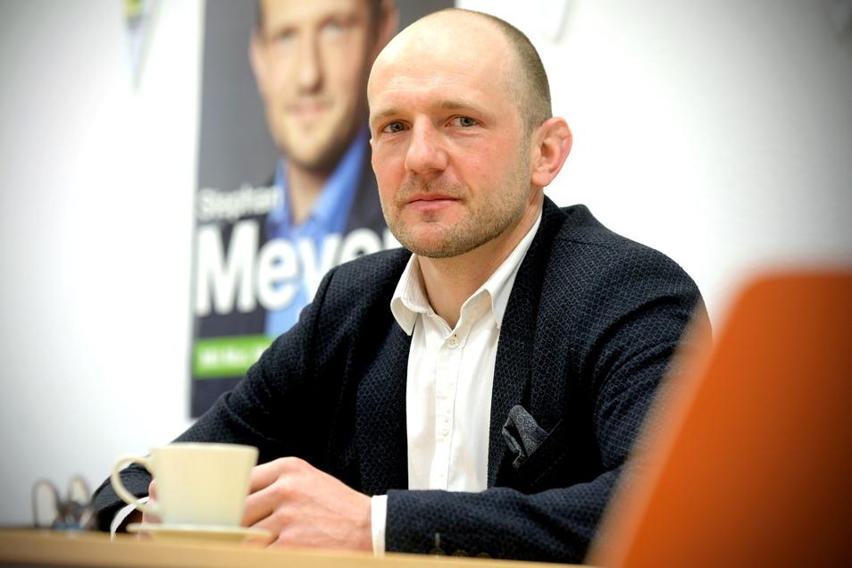 Stephan Meyer in seinem Büro im Zittauer Dornspachhaus. Seit September 2009 ist der 39-Jährige der CDU-Landtagsabgeordnete des Wahlkreises Zittau.