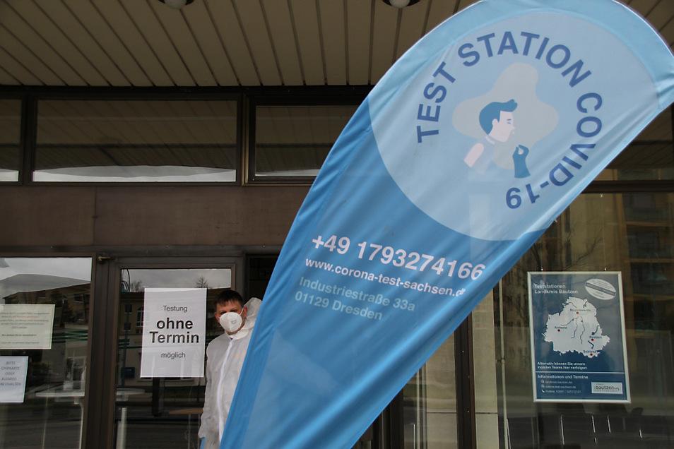Testzentrum in der Lausitzhalle in Hoyerswerda