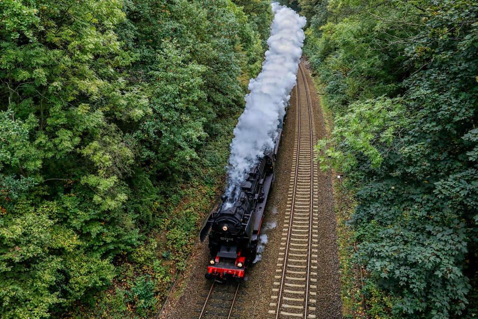 Die Dampflok 52 8141 am Sonnabend-Nachmittag bei Reichenbach.