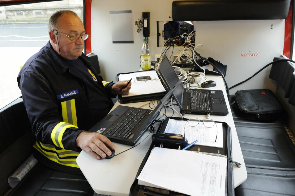 Bernd Franke musste als Chef des Katastrophenstabes den Überblick über die Einsätze behalten.