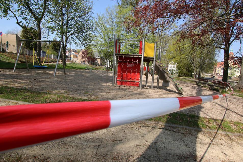 Viele Waldheimer Familien wünschen sich, dass sie mit ihren Kindern wieder die zahlreichen Spielplätze nutzen können.