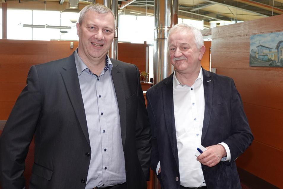 Der Alte und der Neue: Uwe Sippach (l.) übernimmt jetzt die Verantwortung für das Tagesgeschäft bei SPS. Firmengründer Peter Schiekel bleibt Geschäftsführender Gesellschafter.
