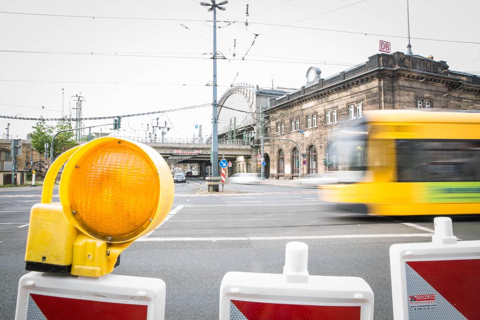 Mehrere Baustellen wie hier am Bahnhof Neustadt sorgen am Wochenende wohl für Verkehrschaos.