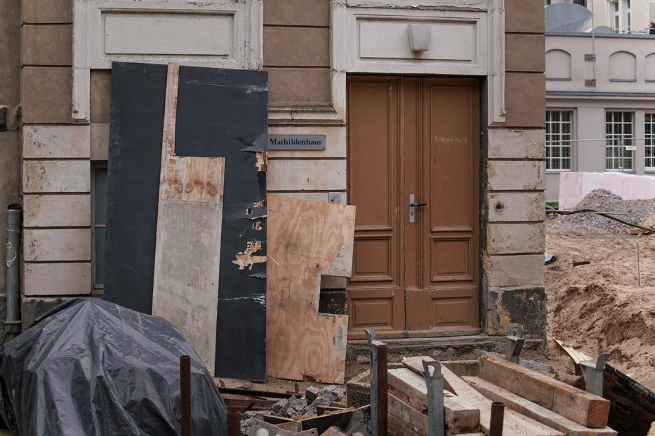 Das Mathildenhaus ist inzwischen entkernt und alle Einbauten, die nicht denkmalgeschützt sind, wurden entfernt.