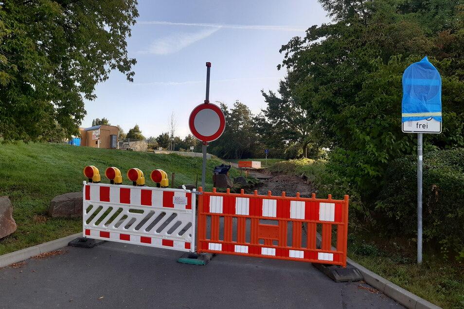 Der Kurvenbereich der Württembergischen Straße in Döbeln Nord ist voraussichtlich noch etwa zwei Wochen gesperrt.