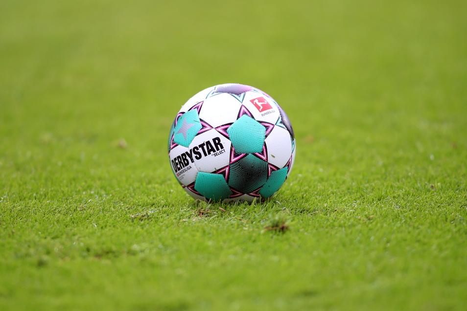 Wie es in der vierten Liga im Nordostdeutschen Verband weitergeht, entscheidet sich zwar erst Mitte April - die Klubs sprechen sich aber für ein vorzeitiges Ende der Spielzeit aus.