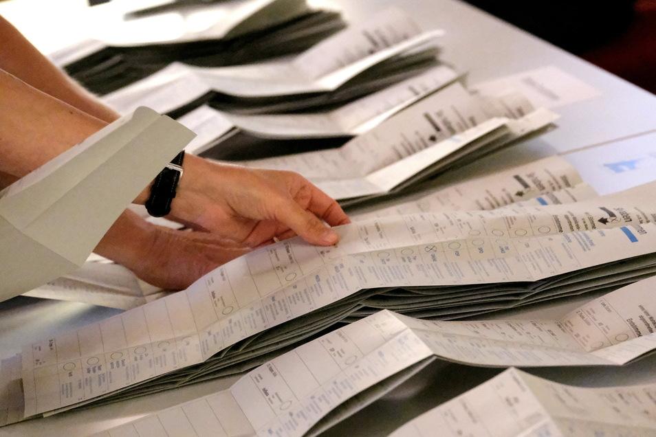 Am Tag nach der Auszählung der Wahlergebnisse zeigte eine Analyse von Sächsische.de und SZ, wie sich die politischen Gewichte im Kreis verschoben haben, wer Gewinner und Verlierer sind.