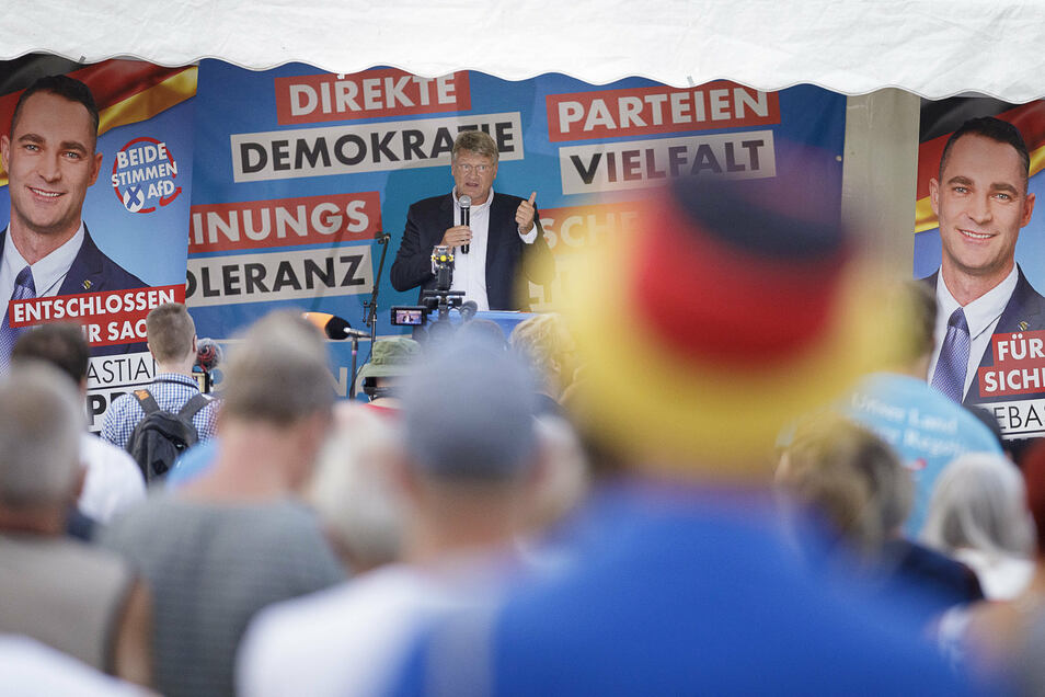 Wie hier vergangenes Jahr in Görlitz stößt die AfD mit Kundgebungen im Osten Deutschlands auf größere Resonanz als im Westen.