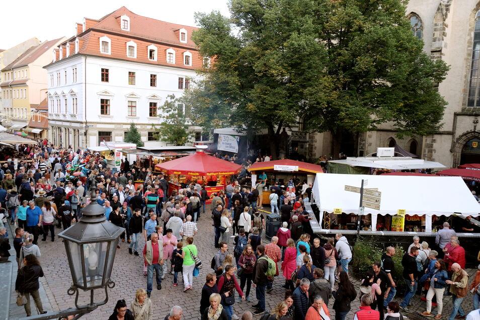 Blick auf den Heinrichsplatz. Hier präsentierten sich die Fellbacher Winzer.
