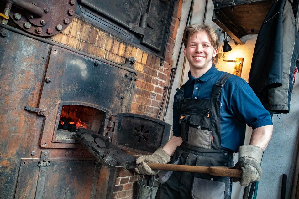 Andreas Röder gehört zu den Roßweiner Dampfmaschinenfreunden. Auch sie beteiligen sich am lebendigen Adventskalender, den es in diesem Jahr in Roßwein zum ersten Mal gibt.