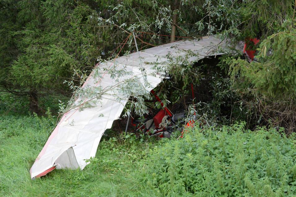 Der abgestürzte Ultraleichtflieger in Lautitz.