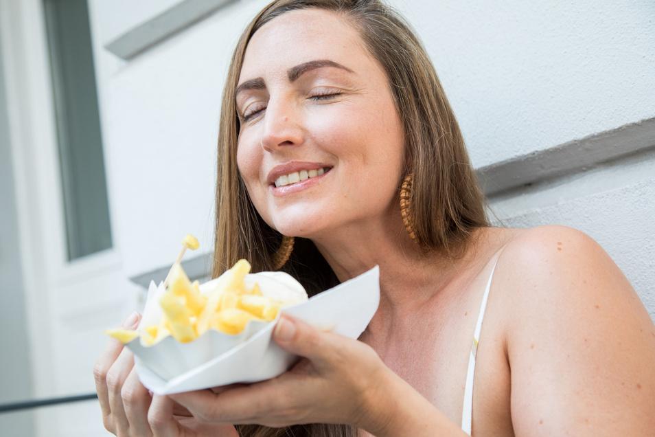 Statt Salatblatt und Möhrchen landet am Cheat Day das im Magen, wonach man sich sechs Tage lang verzehrt hat - sei es Pommes, Pizza oder andere Kalorienbomben.