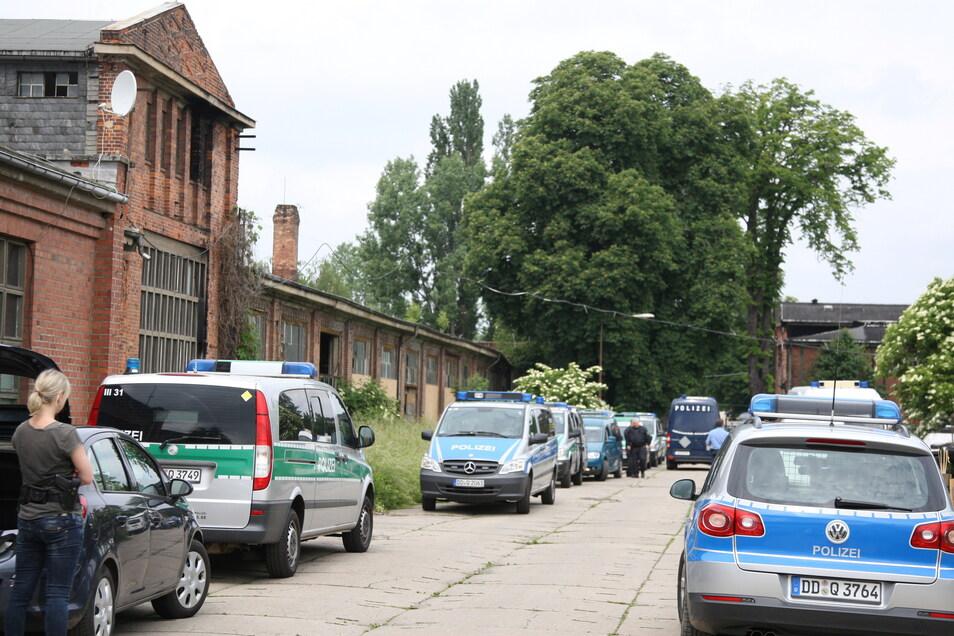 Tatort Mafa-Gelände Heidenau. Bei dieser Razzia haben Polizisten unter anderem Drogen sichergestellt.